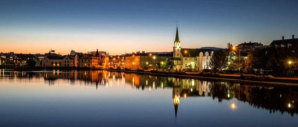 Iceland car rental agency offers customers free transfer to Reykjavik