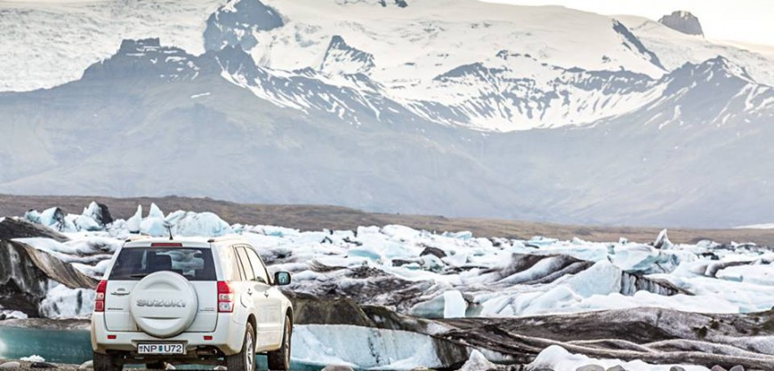 Suzuki Vitara at glacier lagoon Iceland