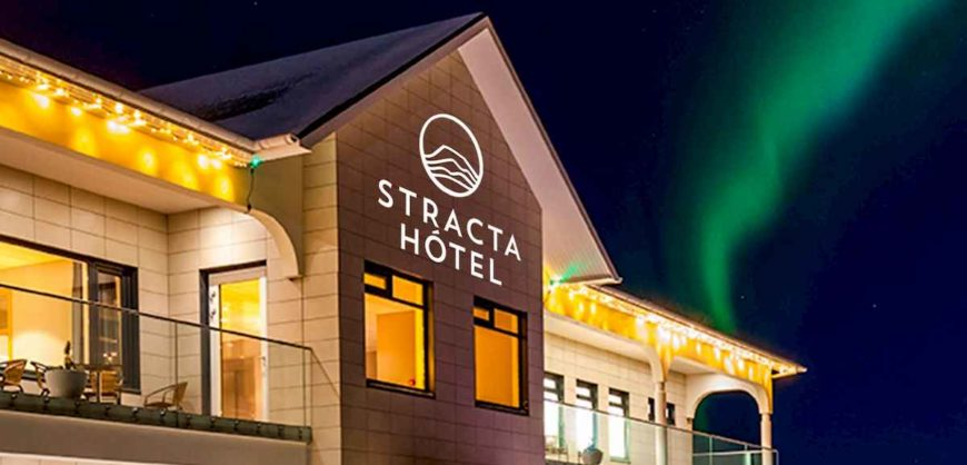 Stracta Hotel with northern lights