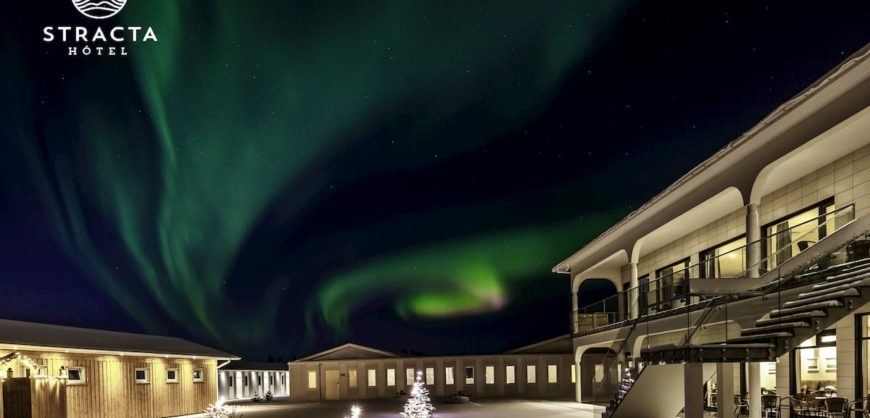 northern lights over stracta hotel
